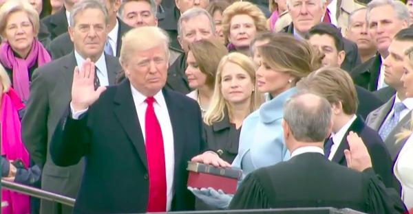 Irrumpe Trump agitando populismo y nacionalismo