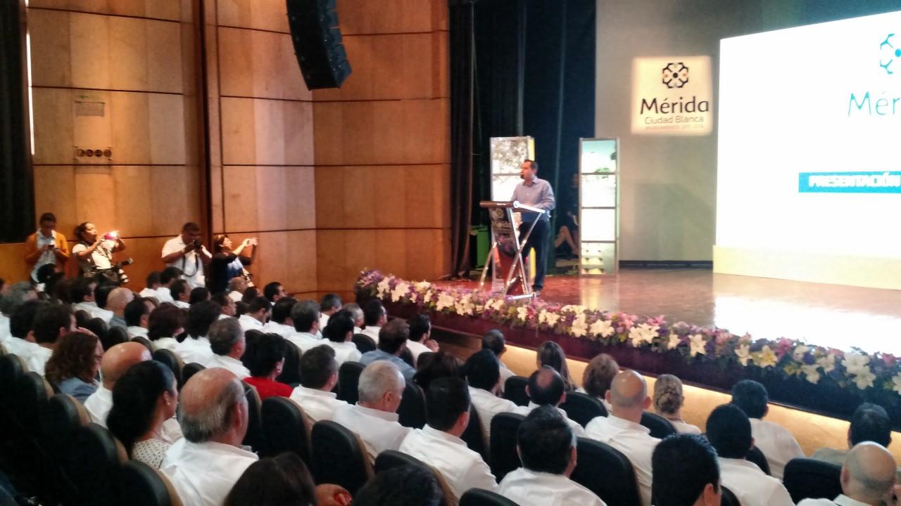 """Anuncia Vila inversión """"sin precedentes"""" en Mérida"""