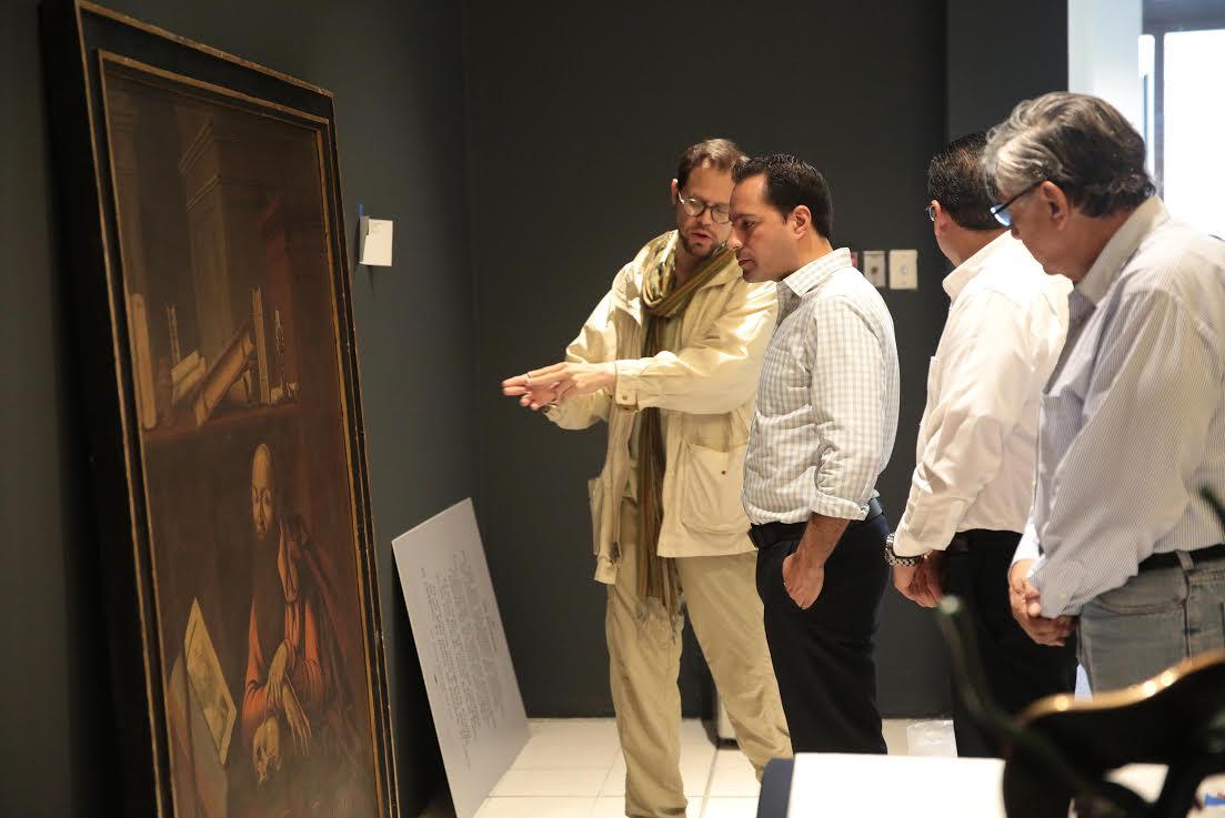 Supervisa Vila montaje de obras del Museo Soumaya