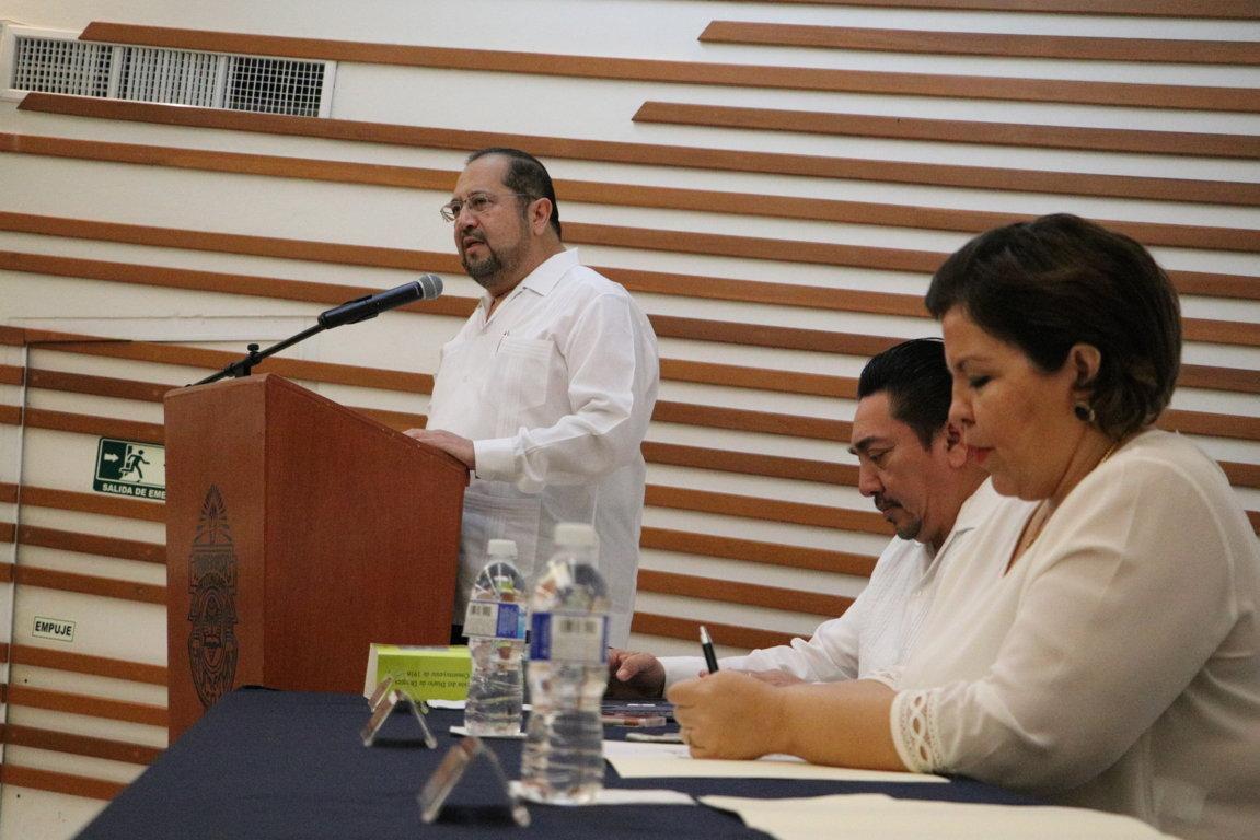 Reflexionan sobre vigencia de Constitución Mexicana