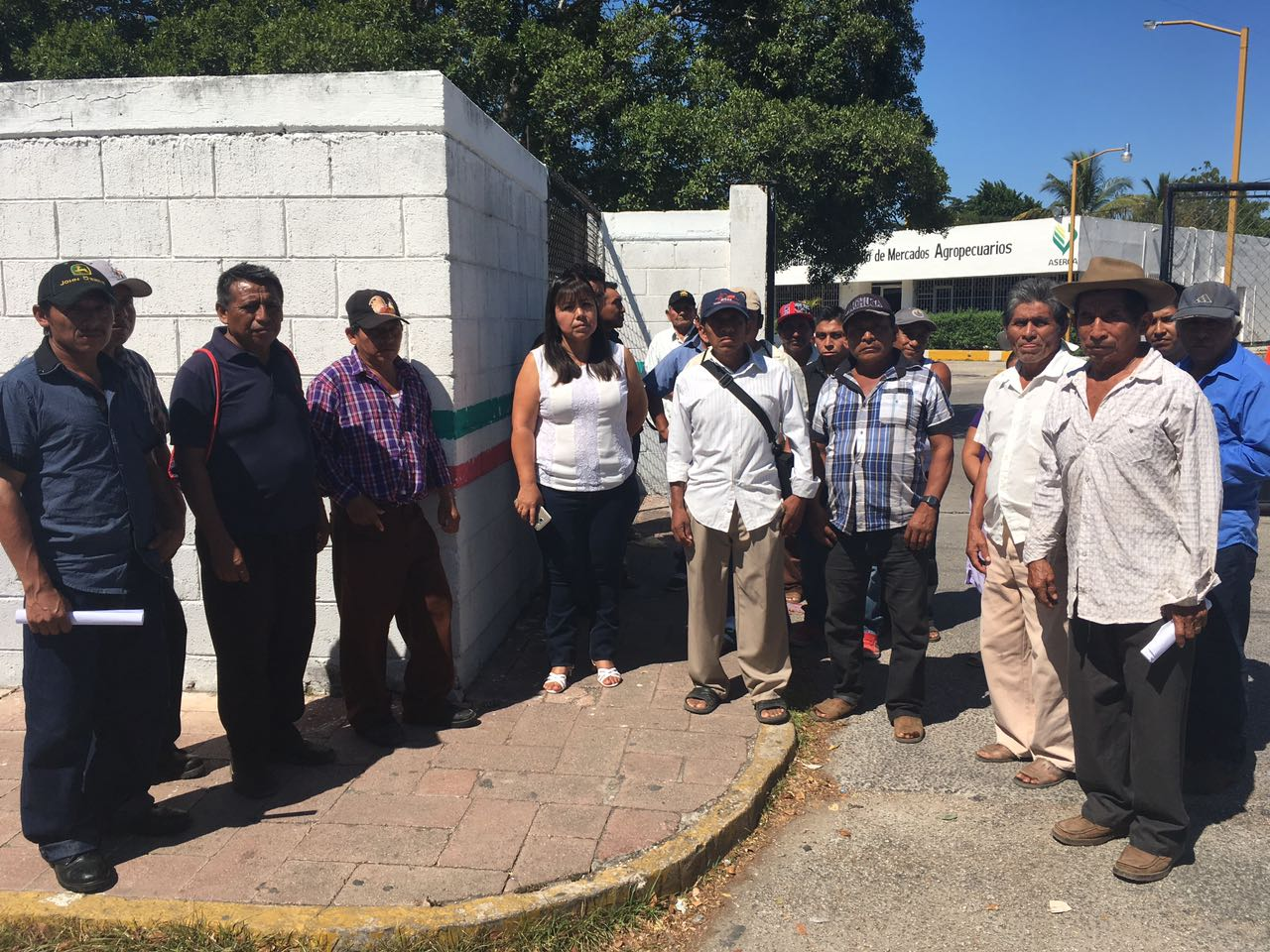 Protestan y Sagarpa autoriza entrega de apoyos