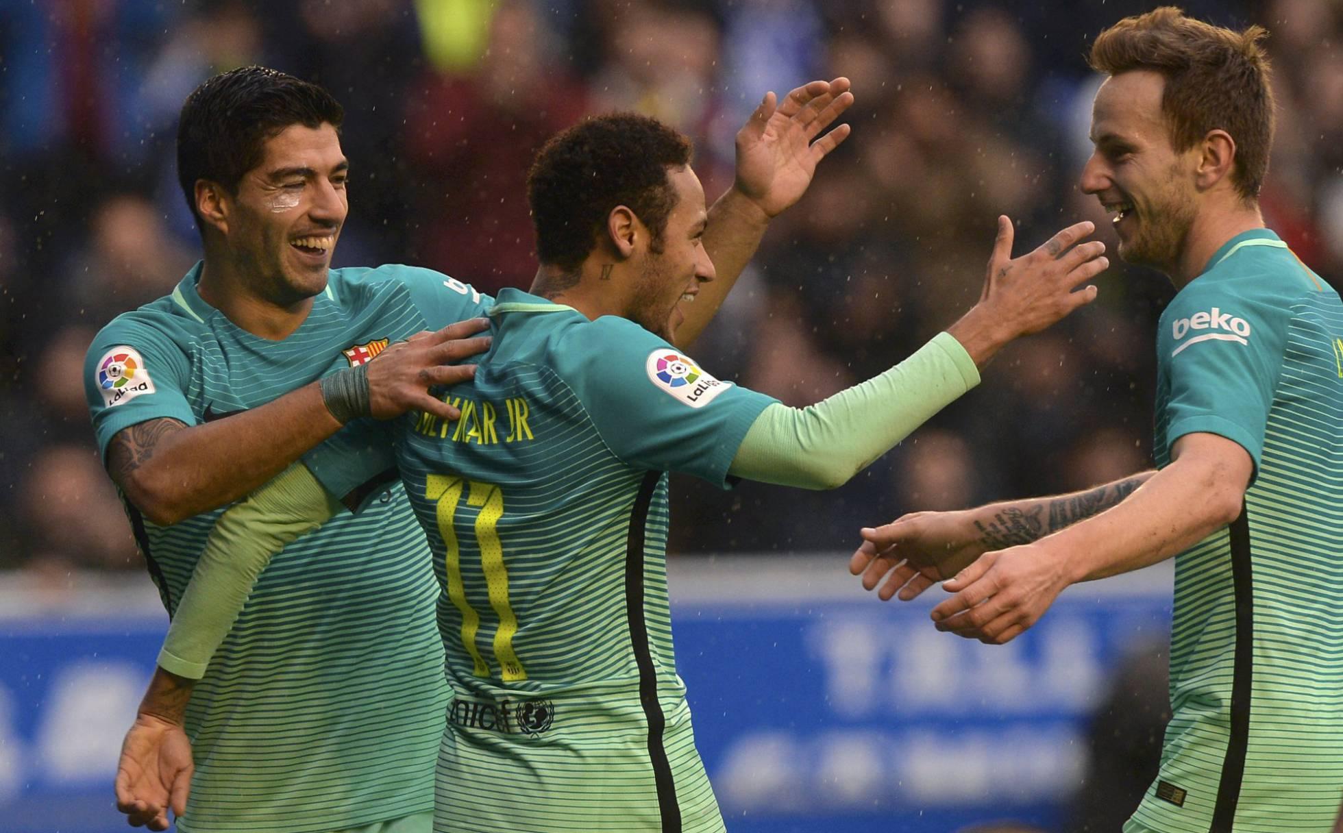 Barcelona goleó 6-0 a Alavés