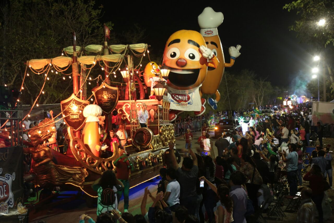 Desfile de Corzo reunió a 45 mil personas en Plaza Carnaval