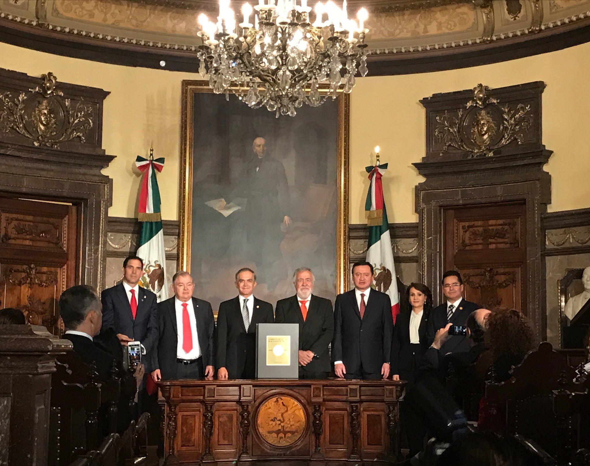 Promulgan Constitución de CDMX