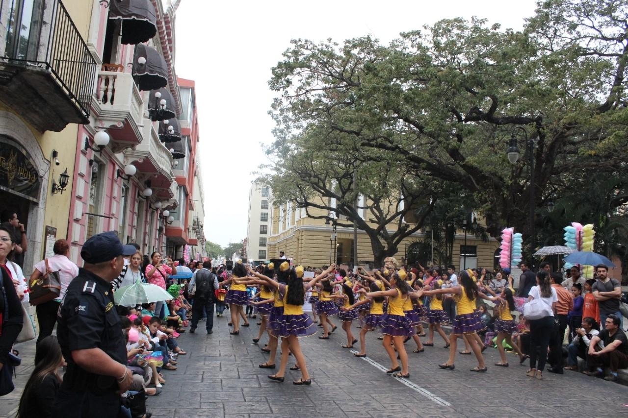 Cierre de calles por desfile infantil
