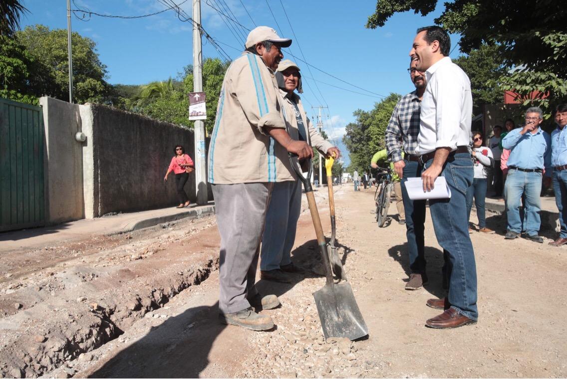 Obras de mejoramiento urbano en 15 puntos de Mérida
