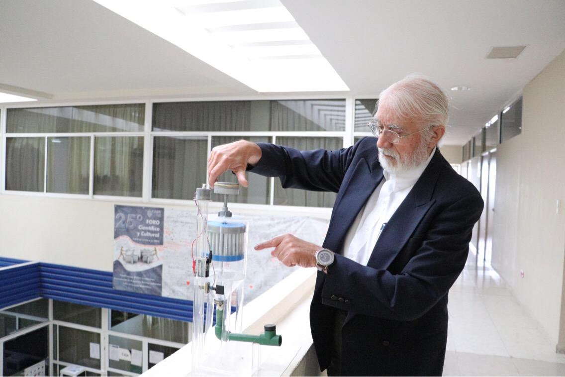 Recibe patentes proyecto yucateco para desalinizar agua de mar