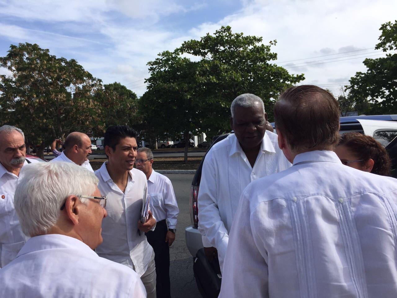'Muro aislará más a EU de Latinoamérica'.- Cuba