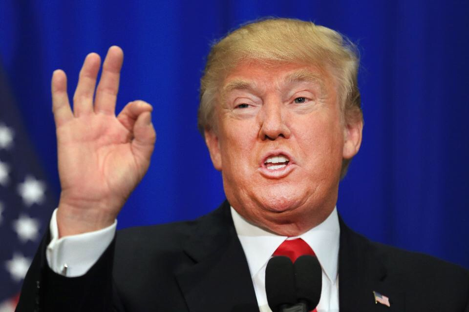Cae a 38 % aprobación de Trump