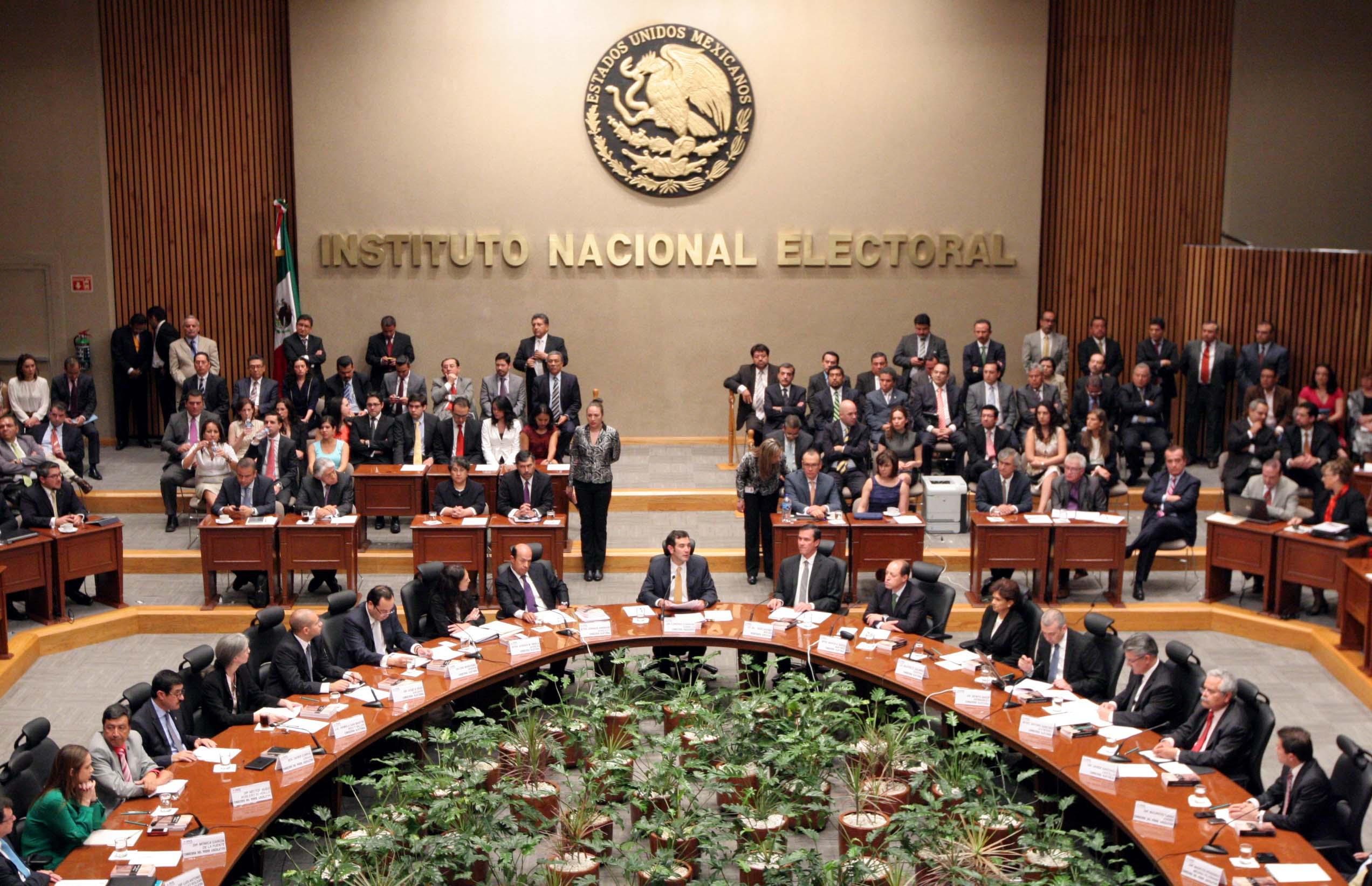 Recorte y fiscalización a partidos, insiste Ramírez Marín