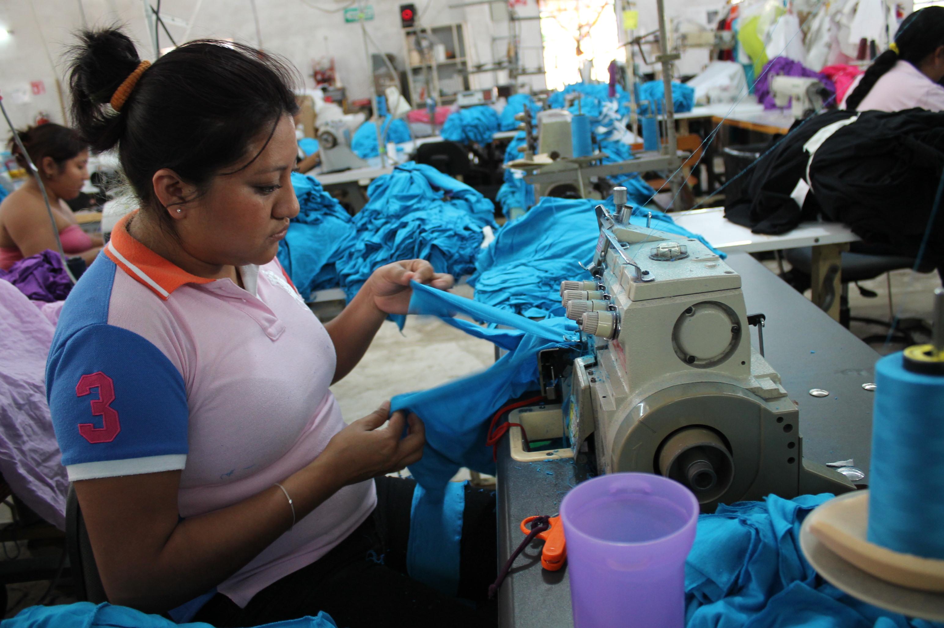 Incertidumbre 'marca' a industriales del vestido