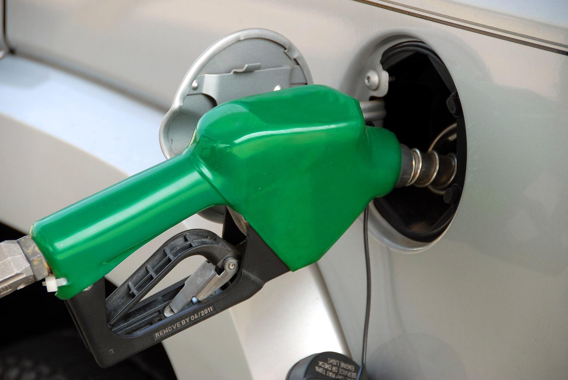 Liberalización no bajará precios de gasolinas