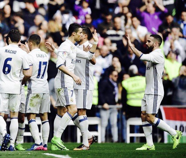El Madrid venció a Espanyol y continúa primero en La Liga