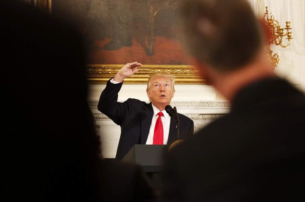 Trump va por más armas