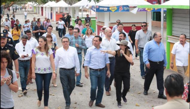 Plaza Carnaval, a punto para la fiesta