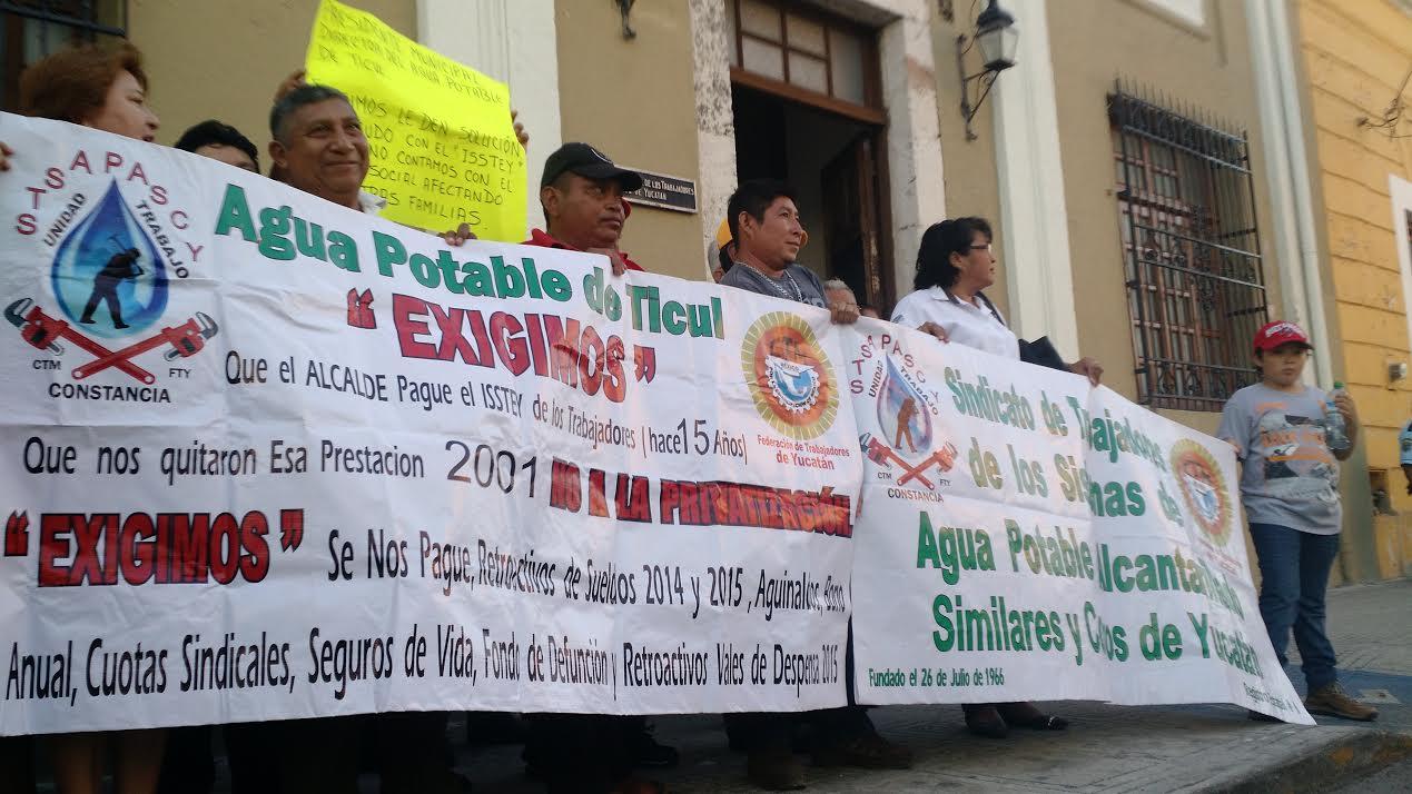 Desvían cuotas del ISSTEY en 11 municipios