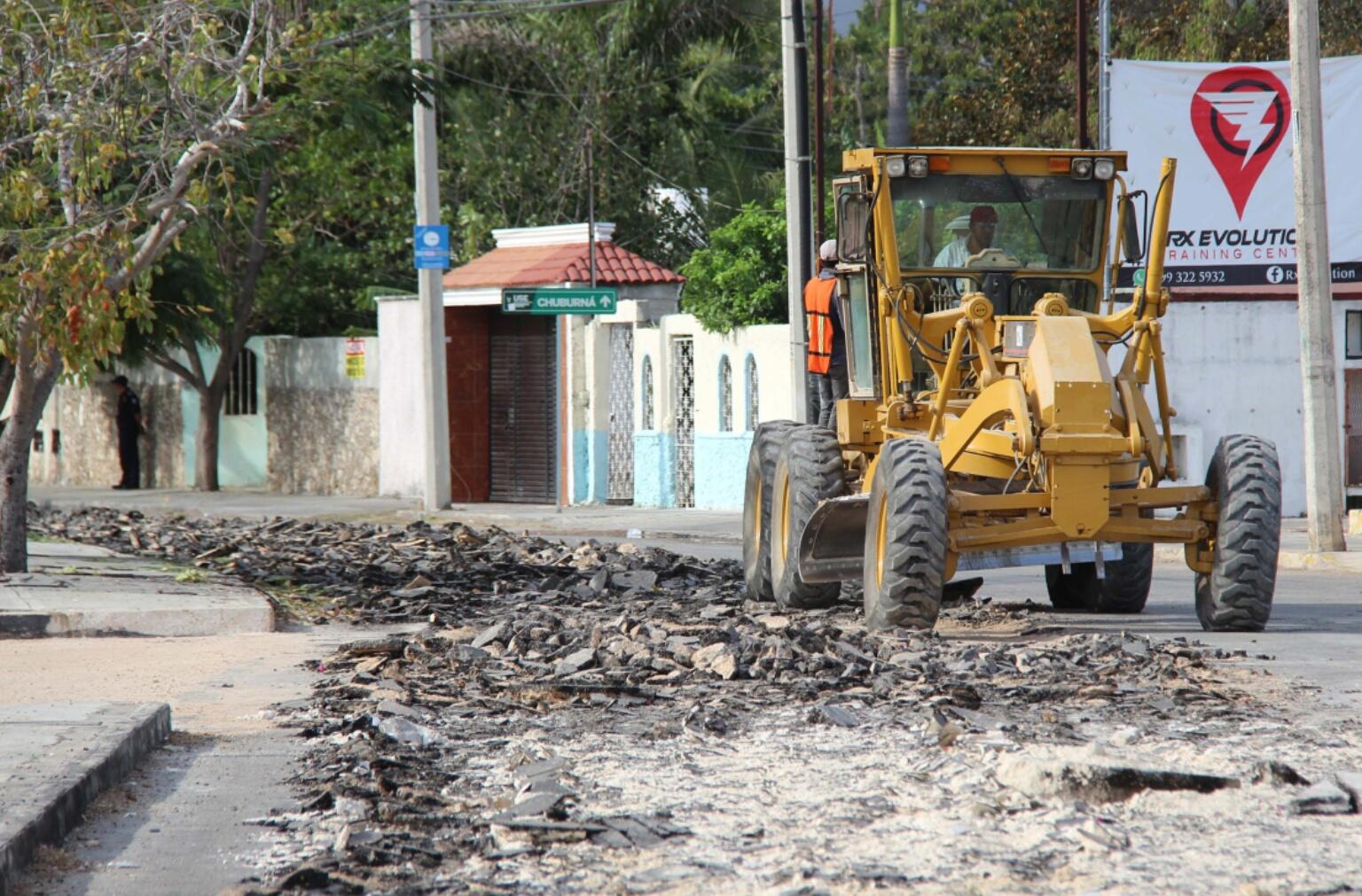 Avanzan trabajos de vialidades en Mérida