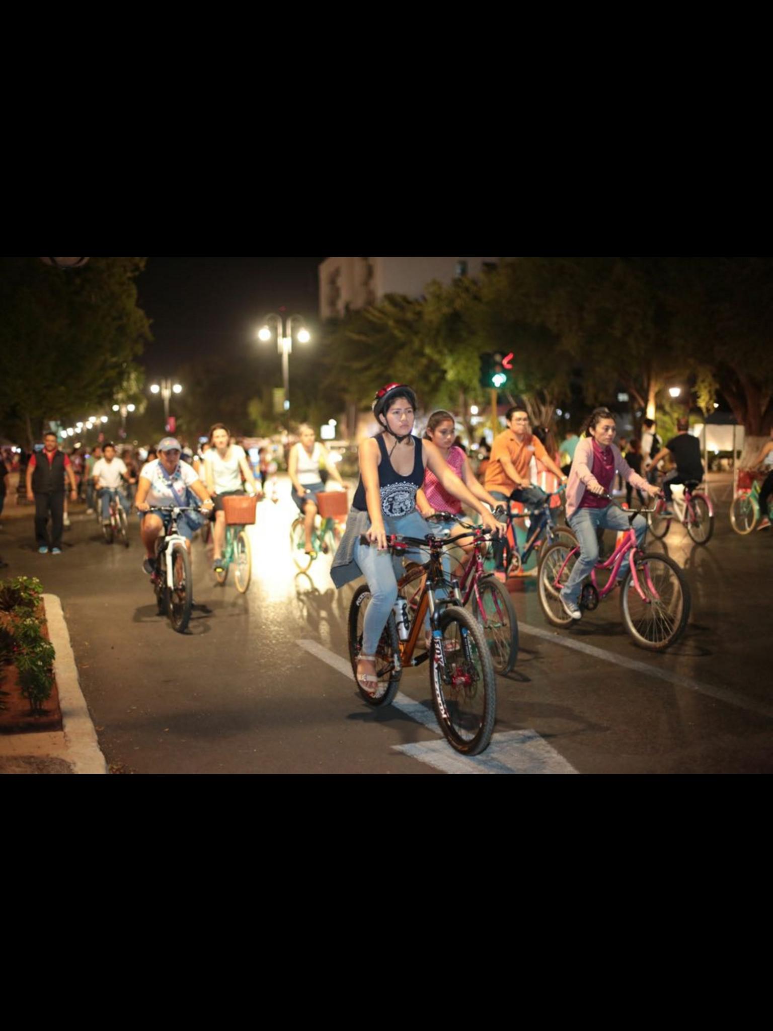 Festejan primer aniversario de la Bici-Ruta Nocturna