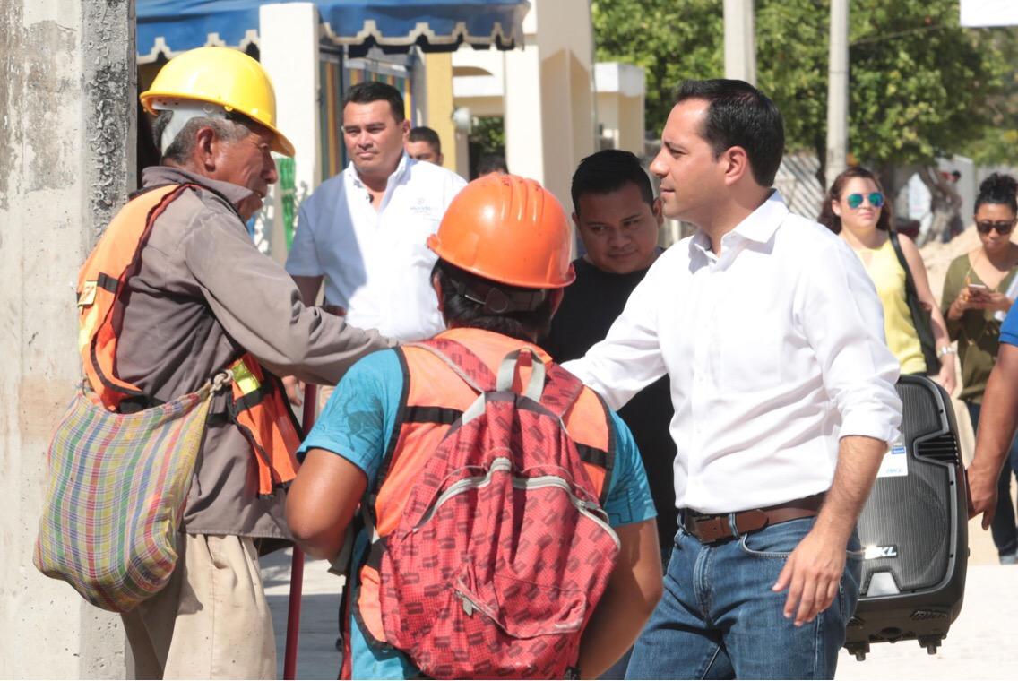 Trabajos de vialidad en San Antonio Kaua IV