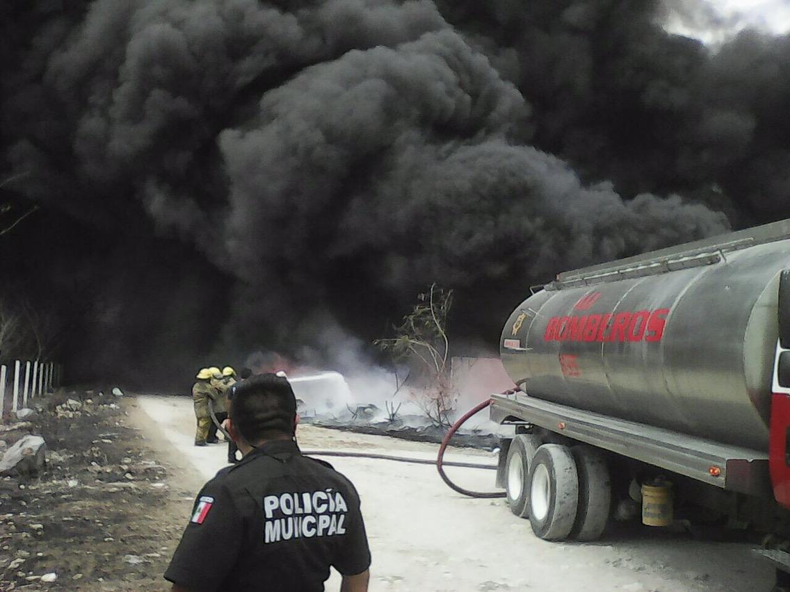 Incendio en Umán provocó desalojo de familias