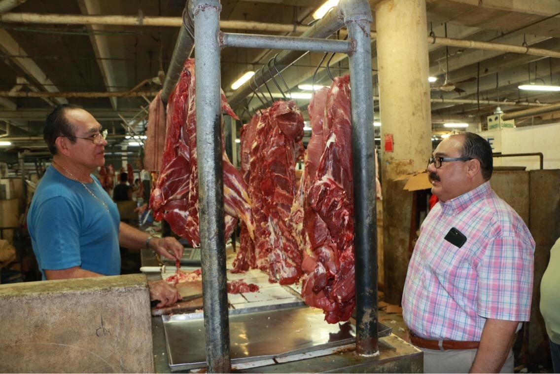 Se reúne Ramírez Marín con líderes de mercados de Mérida