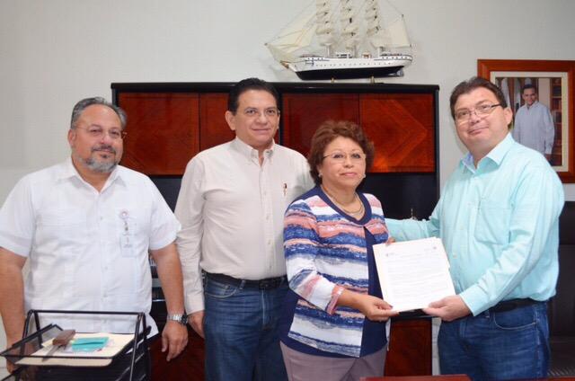 Entregan en Yucatán primer formato de Voluntad Anticipada