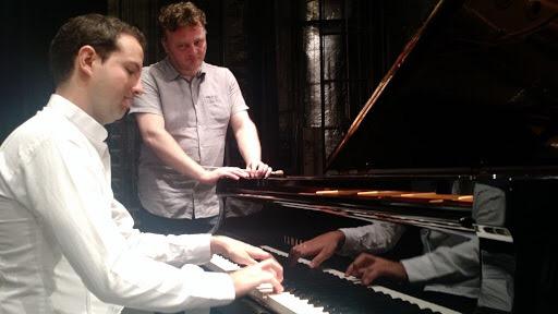 Leo Hildsdorf, al piano, en la OSY