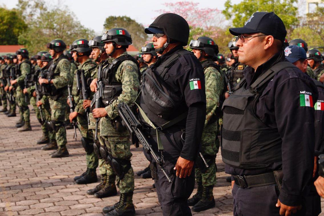 Refuerzan presencia militar en Cancún y Playa del Carmen