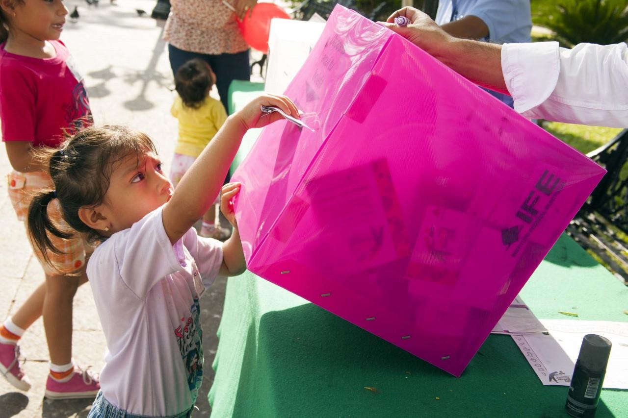 Prepara INE consulta infantil y juvenil