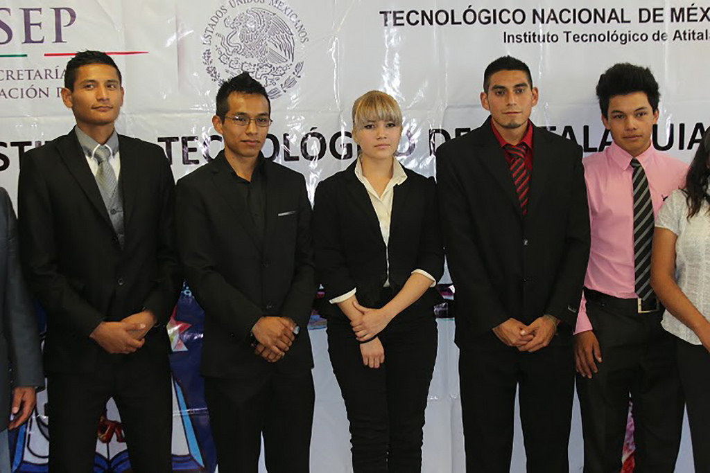 Jóvenes ingenieros mexicanos crean mecanismo que ahorra gasolina