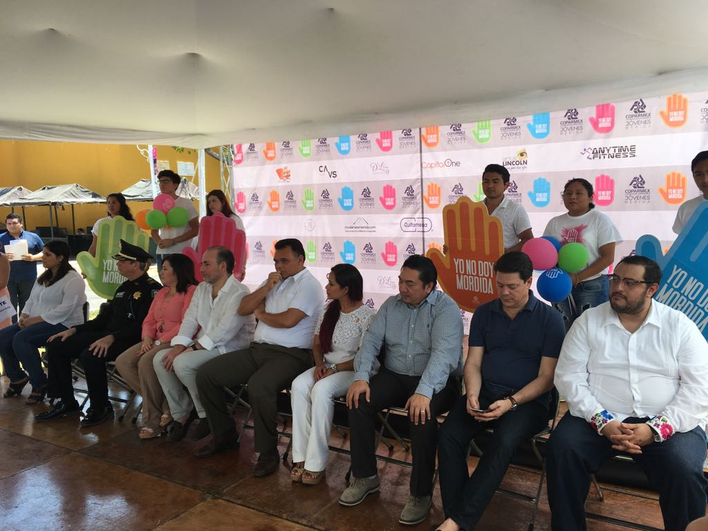 Firman en Yucatán pacto social contra corrupción