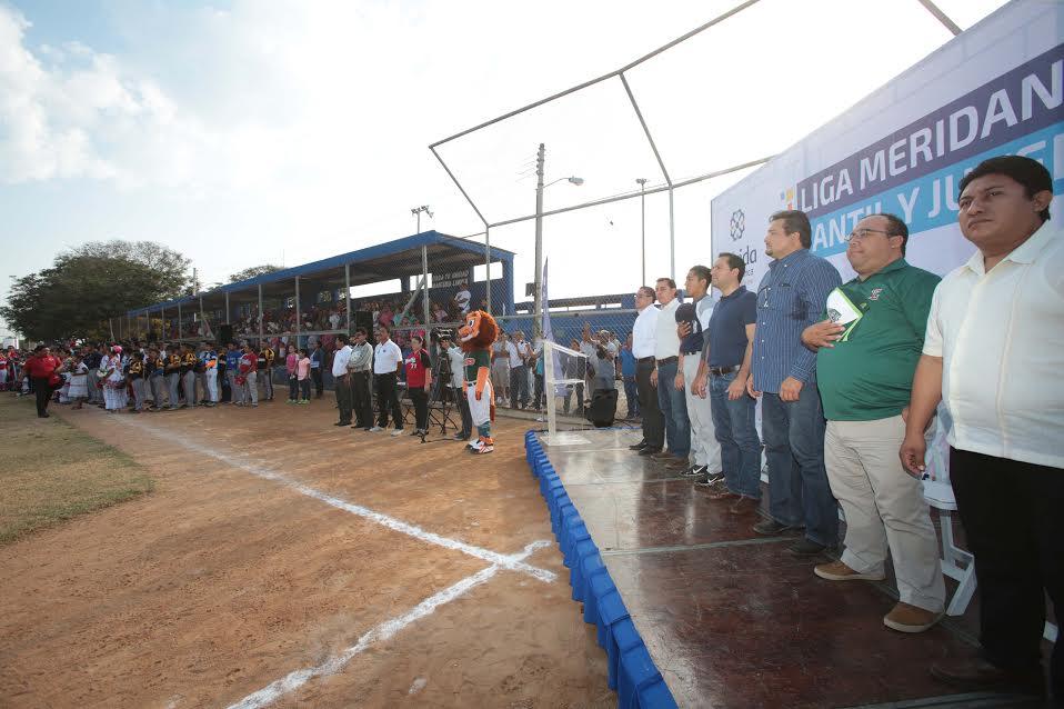 Iniciatercer torneo de béisbol de la Liga Meridana Infantil y Juvenil