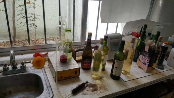 Adulteraban bebidas alcohólicas en bodega de Cancún