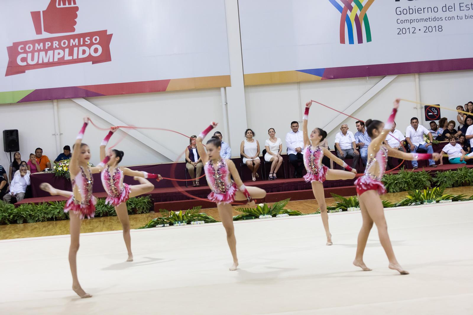 Encuentro internacional de gimnastas en Mérida