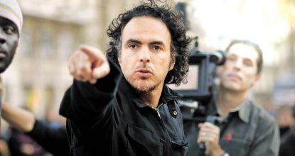 """E11091002.JPG MÉXICO, D.F., Cine-Iñarritu.- Con una ovación de pie el público que lleno la sala del teatro Winter Garden de Toronto, en el marco del Festival de cine en esta ciudad, reconoció al realizador mexicano Alejandro González Iñárritu, quien  junto al actor español, Javier Bardem, asistieron a la proyección de """"Biutiful"""". RDB. Foto: Agencia EL UNIVERSAL/ Especial."""