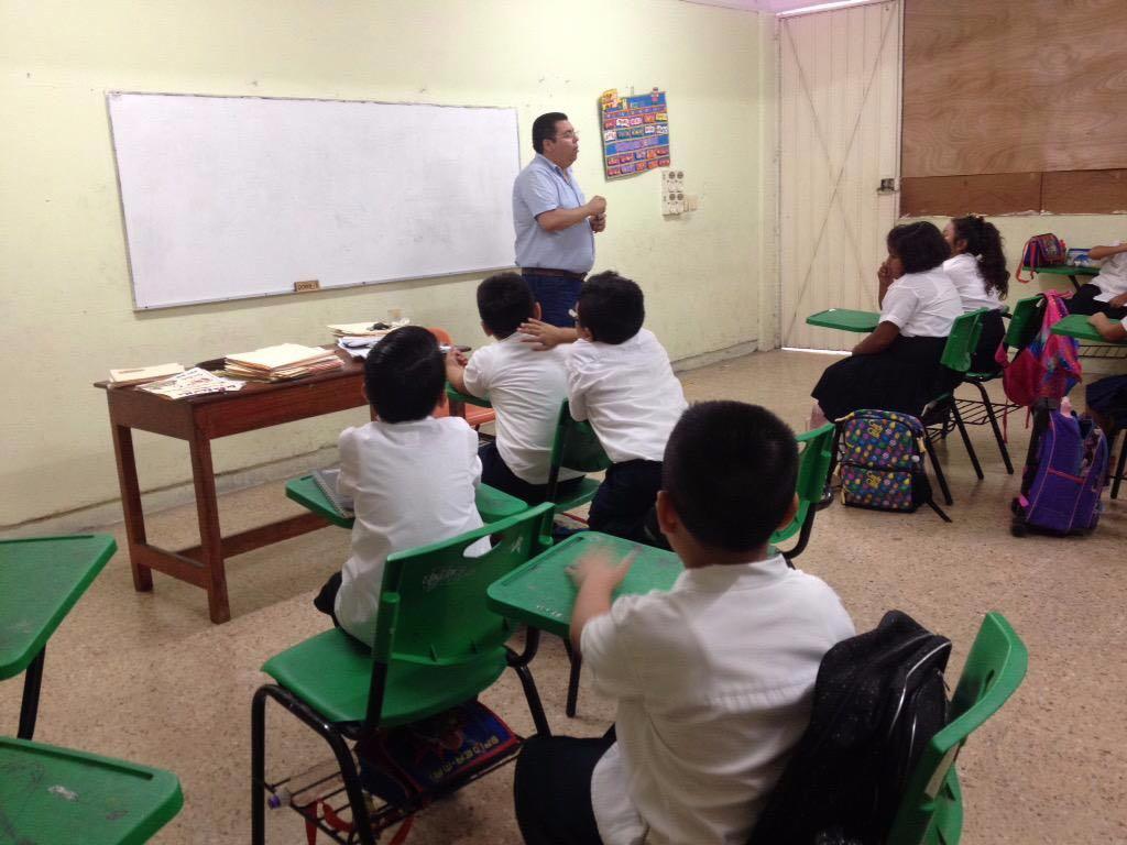Inequidad en ingresos de docentes en Yucatán