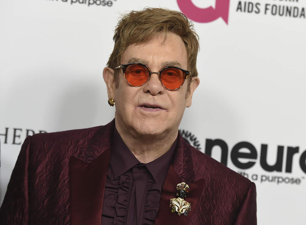 Por inusual infección, cancela Elton John conciertos en EU