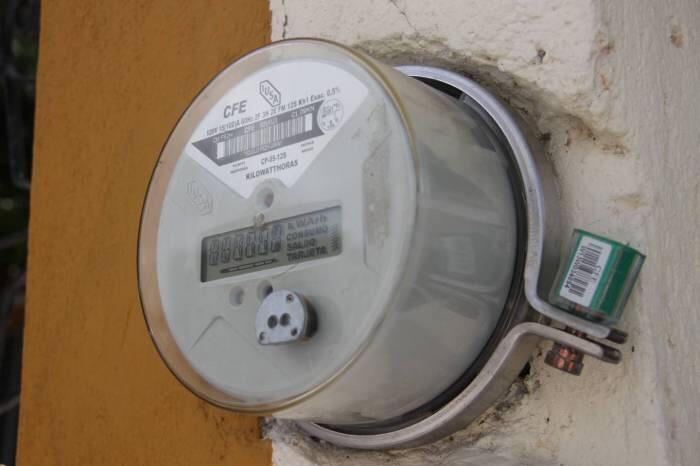 Baja CFE tarifas domésticas en tres municipios de QRoo