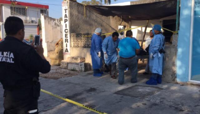 Encuentran a hombre sin vida en predio de la Avenida Itzáes