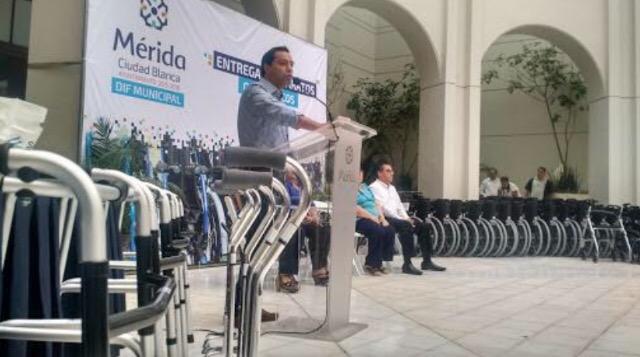 Atiende Mérida con apoyos a discapacitados