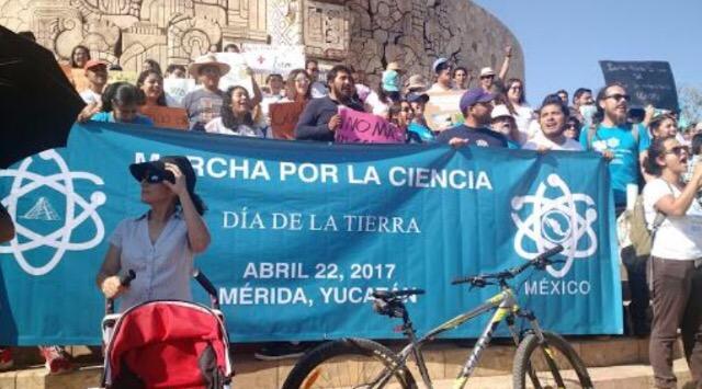 Marchan en Mérida por la ciencia y repudian recortes