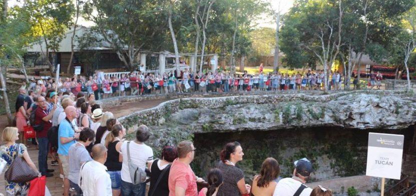 turistas_cenote1