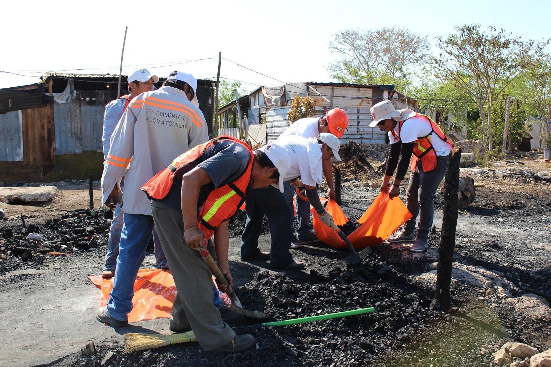 Atienden a vecinos afectados por incendio en la Emiliano Zapata Sur III