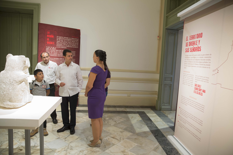 Recorre Peña Nieto en Mérida exposición Lak'iin