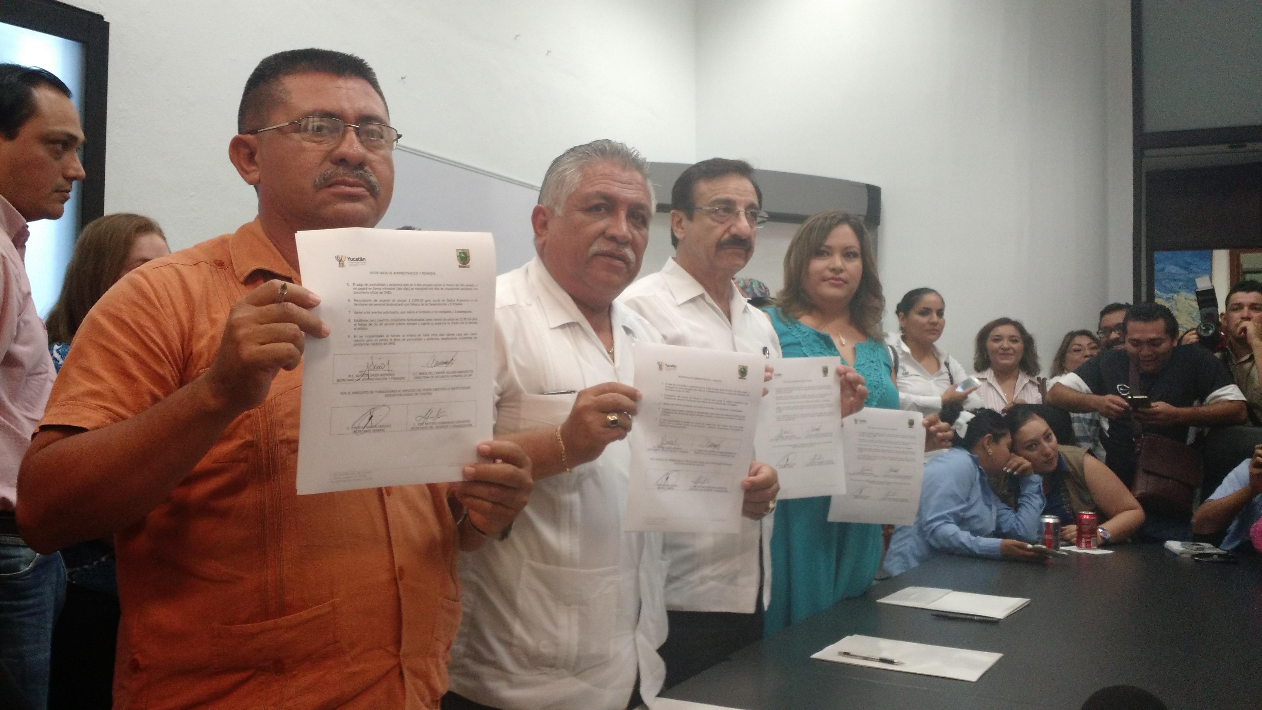 Dan aburócratas yucatecosaumento salarial de 7.5%
