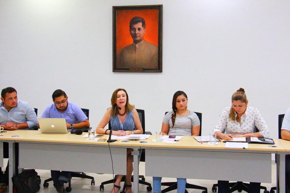 "PRI quiere órgano electoral ""a modo"": Beatríz Zavala"
