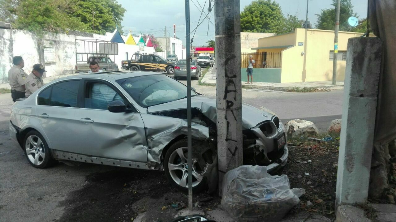 Mira en 1 minuto, 19 accidentes viales captados por cámaras, en Yucatán (video)