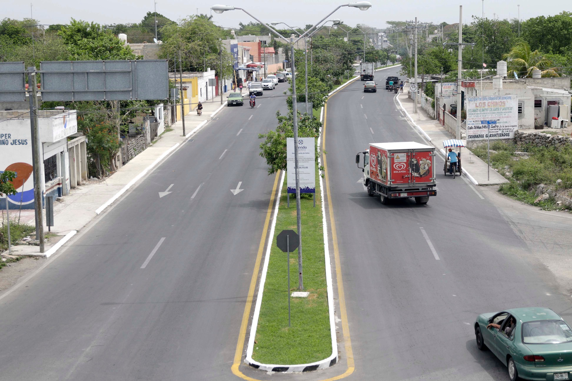 Obras de mejoramiento vial en Avenida 86 de San Antonio Xluch