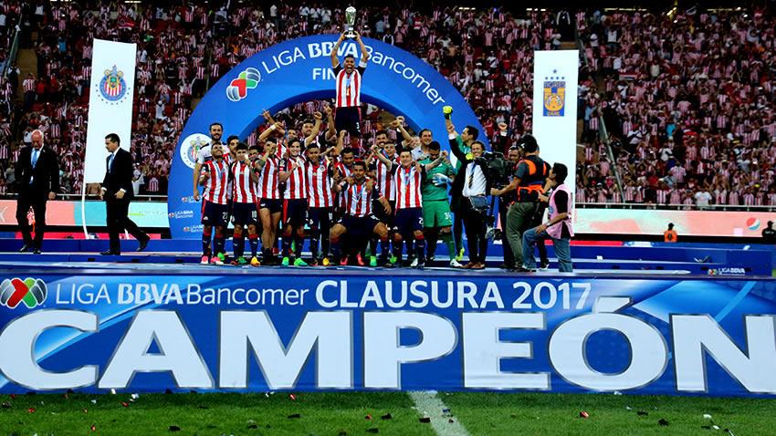 Chivas supera a Tigres y alcanza su título número 12