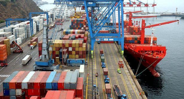 Desciende 79.43% déficit comercial en abril